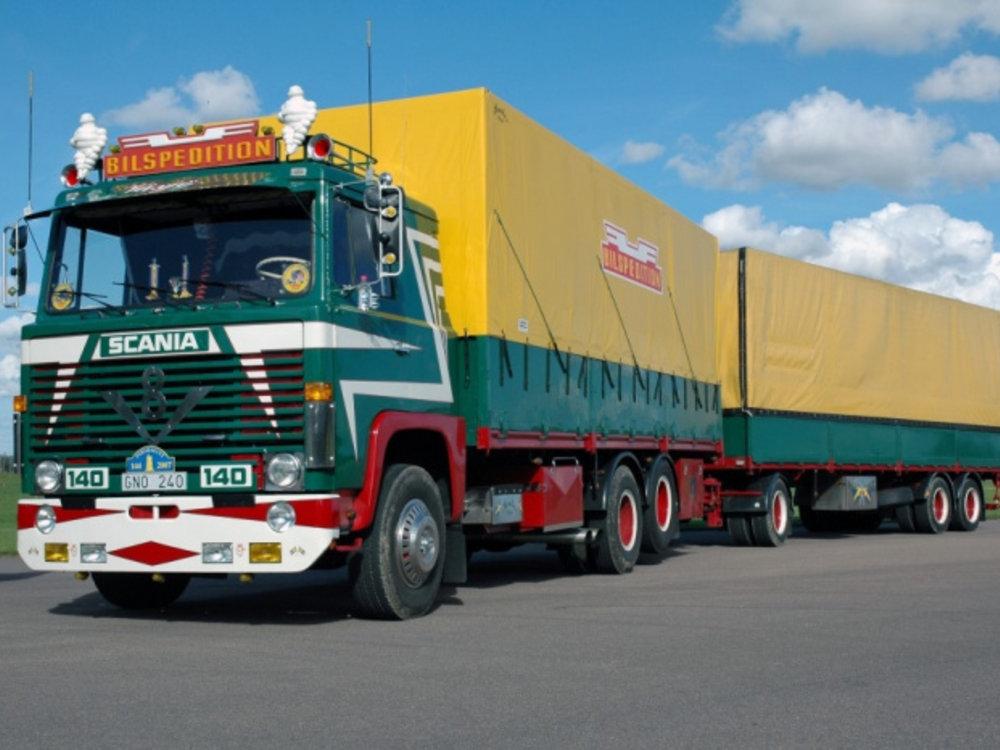 Tekno Tekno Scania 140 motorwagen met 3-assige aanhanger Bilspedition
