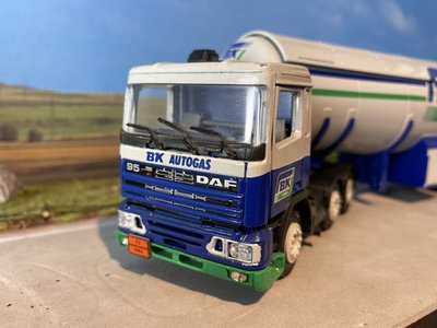 Tekno Tekno DAF 95 with gas tank trailer BP Autogas