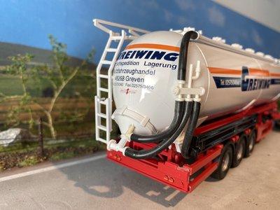 Tekno Tekno Scania 124L met bulktankoplegger Greiwing