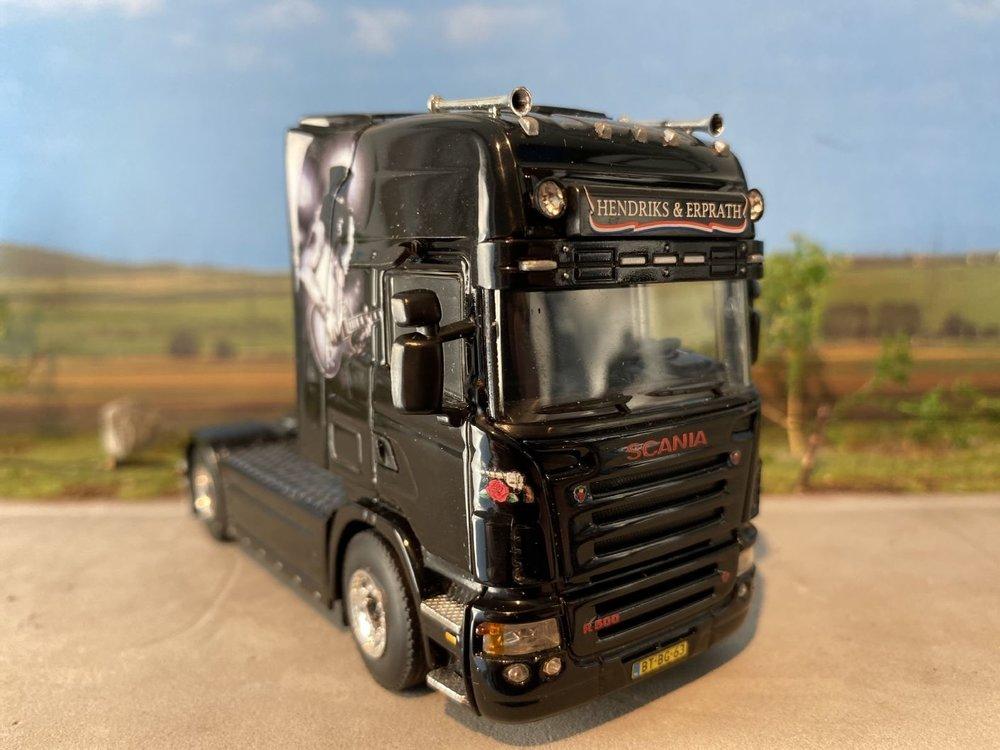 "WSI WSI Scania R Topline 4x2 Hendriks & Erprath ""Guns n Roses"""