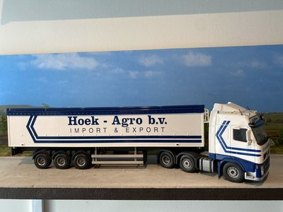 Tekno Tekno Volvo FH Glob. 6x2 met happy roller Hoek-trans