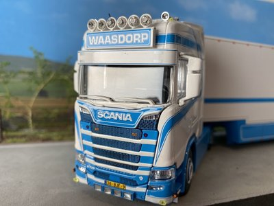 Tekno Tekno Scania Scania S730 with gooseneck refrigerated trailer Waasdorp