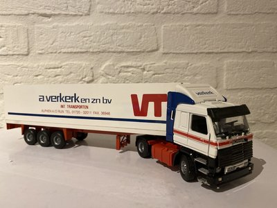 Tekno Tekno Scania 143M met 3-as koeloplegger Verkerk