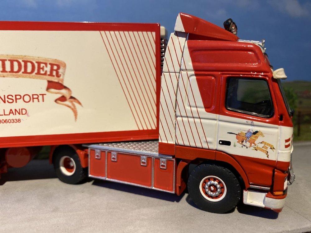 Tekno Tekno Volvo FH Globetrotter 2 as Trekker met 3 as Koeloplegger Frank de Ridder