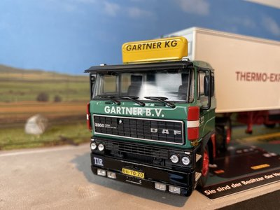 Tekno Tekno DAF 3300 with classic refrigerated trailer Gartner