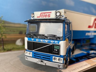 Tekno Tekno Volvo F12 with classic refrigerated trailer STIES
