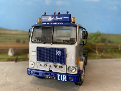 WSI WSI Volvo F88 4x2 Peet Borst