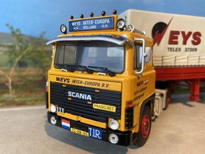 WSI WSI Scania 111 4x2 met classic zeiloplegger Weys International