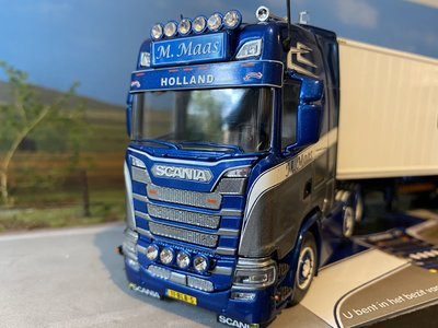Tekno Tekno Scania S next gen Highline 6x2 met container oplegger M-Maas