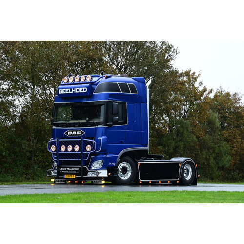 WSI WSI DAF XF Super Space Cab 4x2 Geelhoed