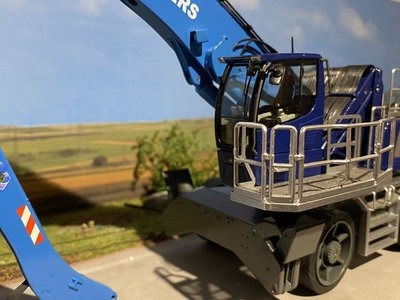 NZG NZG Liebherr LH80M Industrial en schroot Ocean Traders