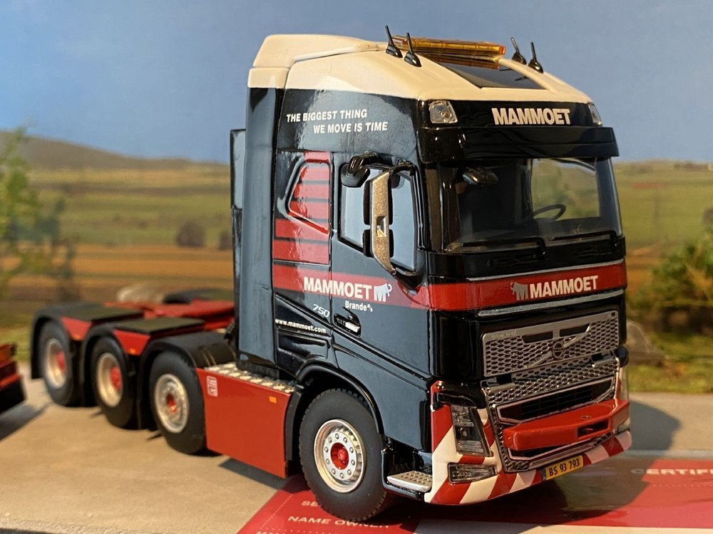 Mammoet store WSI Volvo FH4 Glob XL 8x4 + add on axle Mammoet