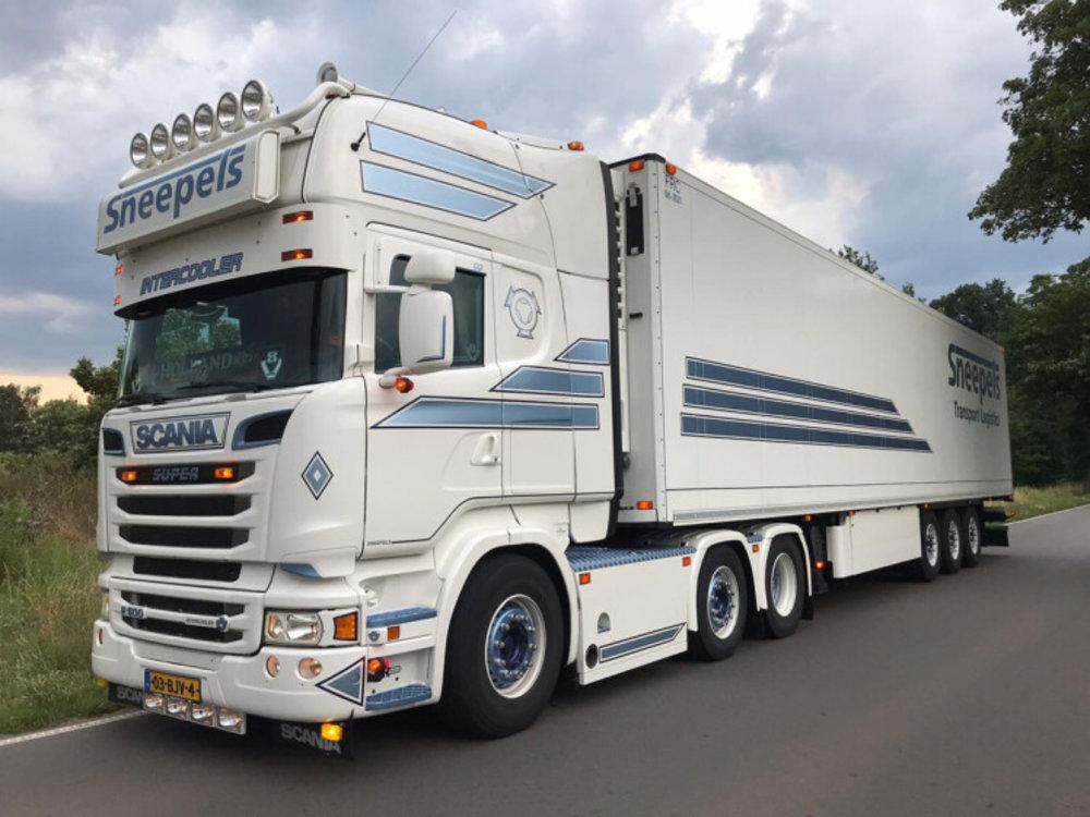 WSI WSI Scania R Topline 6x2 met koeloplegger Sneepels