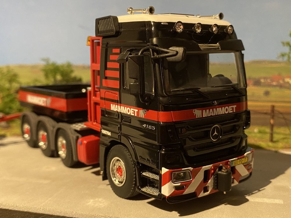 Mammoet store WSI Mercedes Actros SLT 8x4 + intercombi scheuerle Mammoet