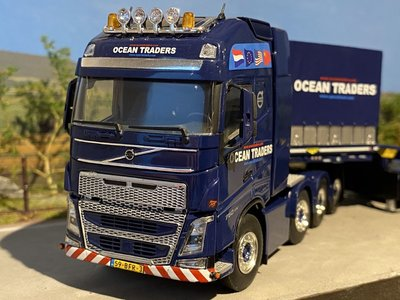WSI WSI Volvo FH4 8x4 + lowloader + dolly Ocean Traders