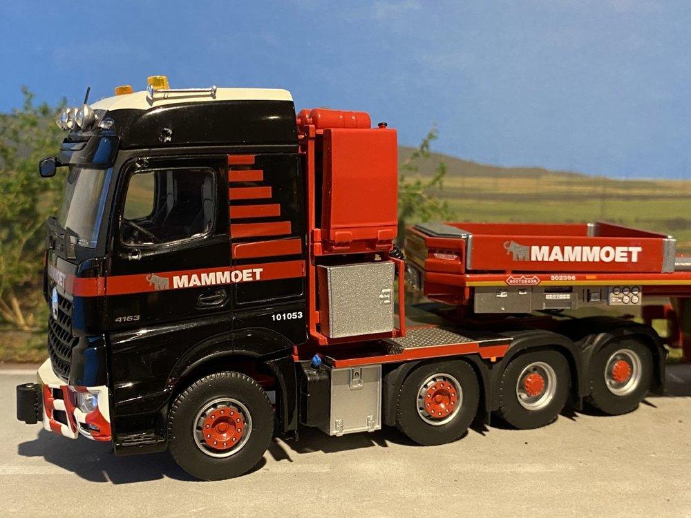 Mammoet store IMC Mercedes Arocs 8x4 met Nooteboom MCOPX 2+6 axle Mammoet