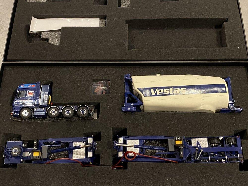 WSI WSI DAF 105XF SSC 8x4 windmill & Vestas Turbine Ocean Traders