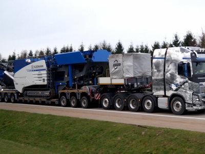 WSI WSI Volvo FH4 Glob. XL 10x4 low loader / dolly Esser e.K.