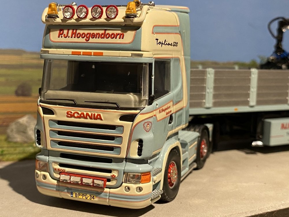 Tekno Tekno Scania R500 6x2 met floor stenenoplegger Hoogendoorn