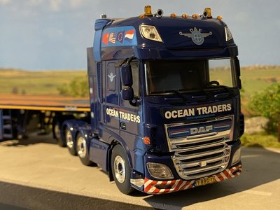 WSI WSI DAF 106XF SSC 8x4 + ballast oplegger Ocean Traders