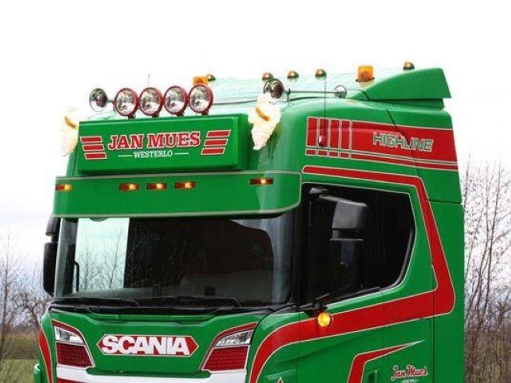 Tekno Tekno Scania R next Gen Highline 6x2 met koeloplegger Jan Mues