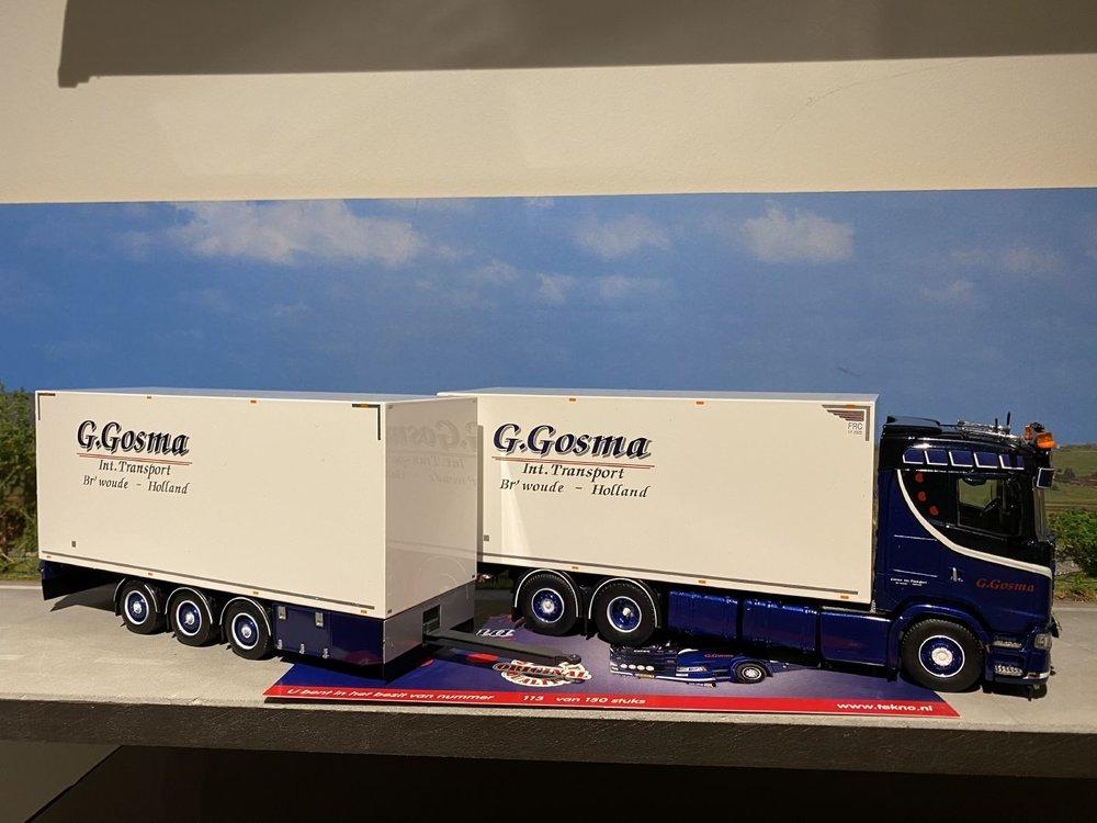 Tekno Tekno Scania S650 motorwagen met 3-as wipkar Gosma