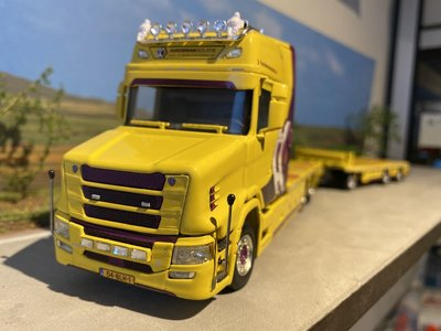 WSI WSI Scania Torpedo 6x2 flat bed truck combi Hardeman