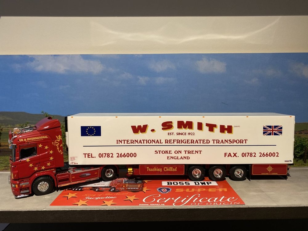 Tekno Tekno Scania R Highline met koeloplegger W. Smith