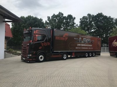 Tekno Tekno Scania S Highline with 3-axle reefer trailer Jens Bode