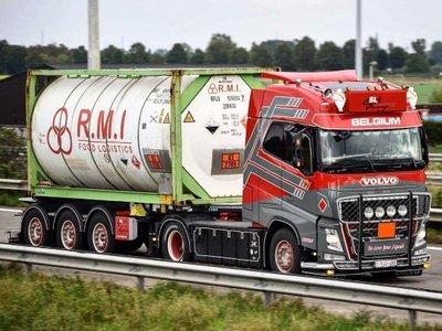 Tekno Tekno Volvo FH04 Globetrotter 4x2 trekker SL Logistics