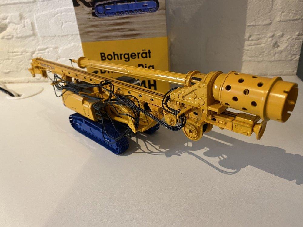 Brami Scalemodels Brami Scalemodels BAUER BG 24H Drilling rig