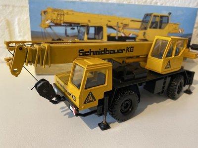 Conrad Modelle Conrad Liebherr LTM 1025 Mobile Crane Schmidbauer