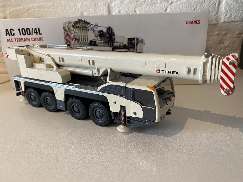 Conrad Modelle Conrad Terex Demag AC100/4L Mobile Crane