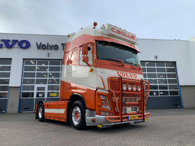 WSI WSI  Volvo FH4 Globetrotter XL 4x2 C. Sollie