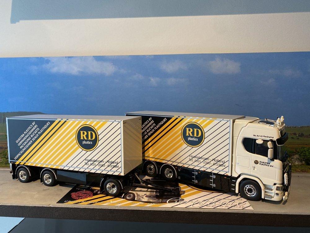 Tekno Tekno Scania S Highline motorwagen met schamel Dijkstra Plastics