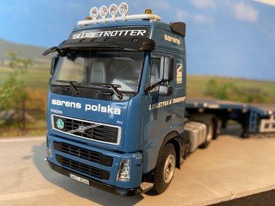 Sarens store WSI Volvo FH2 Glob. XL 6x4 with telestep trailer Sarens