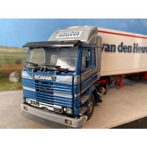 Tekno Tekno Scania 93M met koeloplegger van den Heuvel