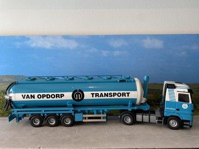 Tekno Tekno Mercedes Actros Gigaspace met silo oplegger van Opdorp