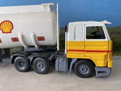 Tekno Tekno Scania 113M streamliner met benzine tankoplegger Shell