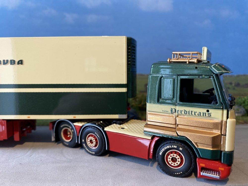 Tekno Tekno Scania 143M streamline 6x2 met koeloplegger Perditrans