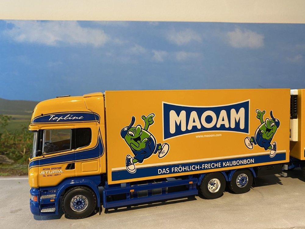 """Tekno Tekno Scania R500 motorwagen met aanhanger Sturm """"Maoam"""""""