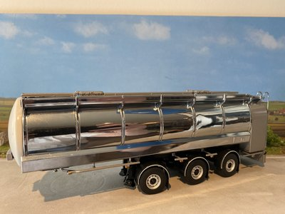 WSI WSI White line Hobur tanktrailer w/big toolbox