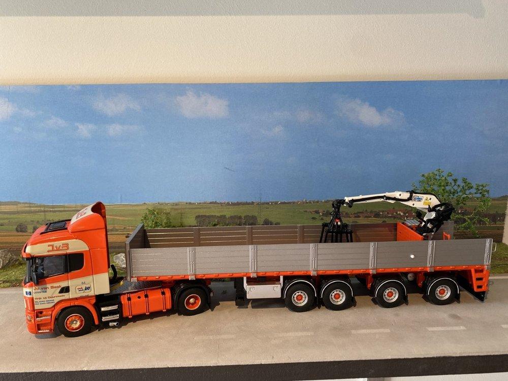 WSI WSI Scania R Highline 4x2 met stenen oplegger Jo van Beek