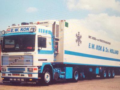 WSI WSI Volvo F16 Globetrotter 4x2 reefer trailer 3-axle E.W. Kok & Zn.