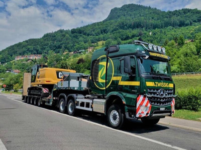 WSI WSI Mercedes Arocs MP4 stream Space 6x6 with Nooteboom MCO-PX-5 axle Zwissig AG