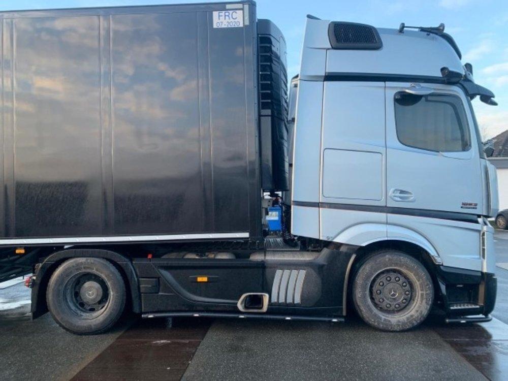Tekno Tekno Mercedes-Benz Actros mirrorcam met 3-assige schuifzeil oplegger RS Logistiek