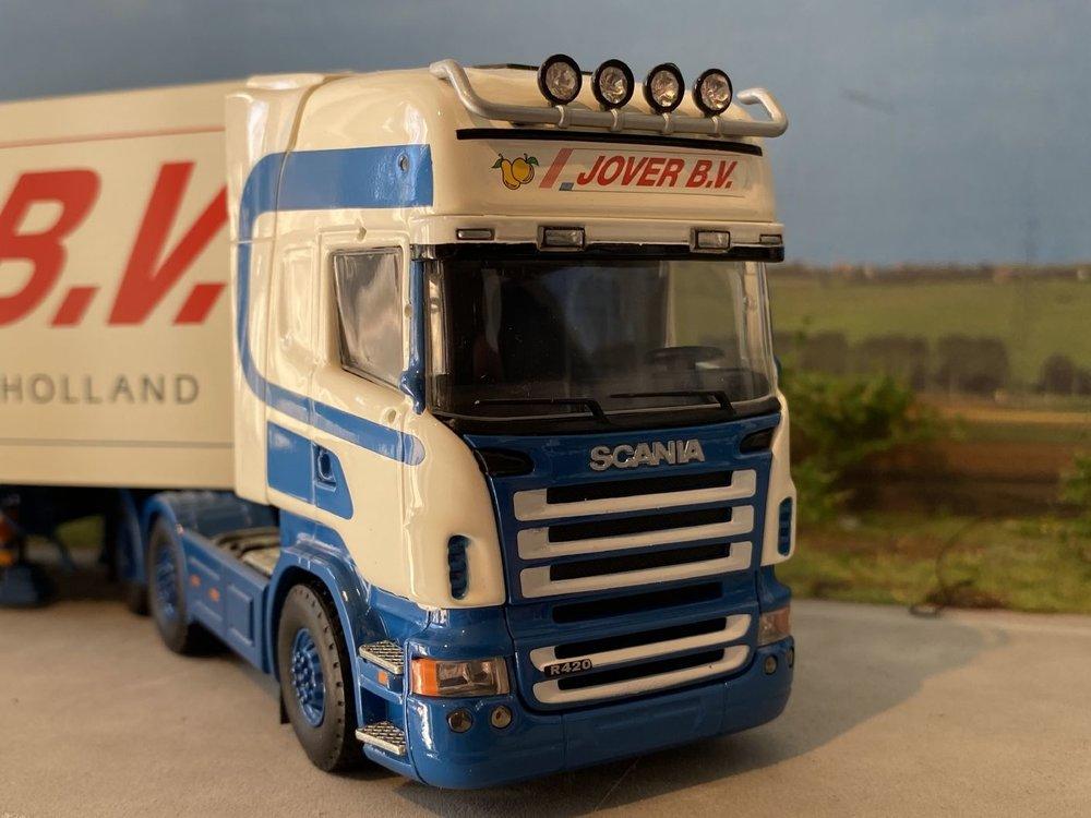 Tekno Tekno Scania R420 Topline 6x2 met koeloplegger Jover