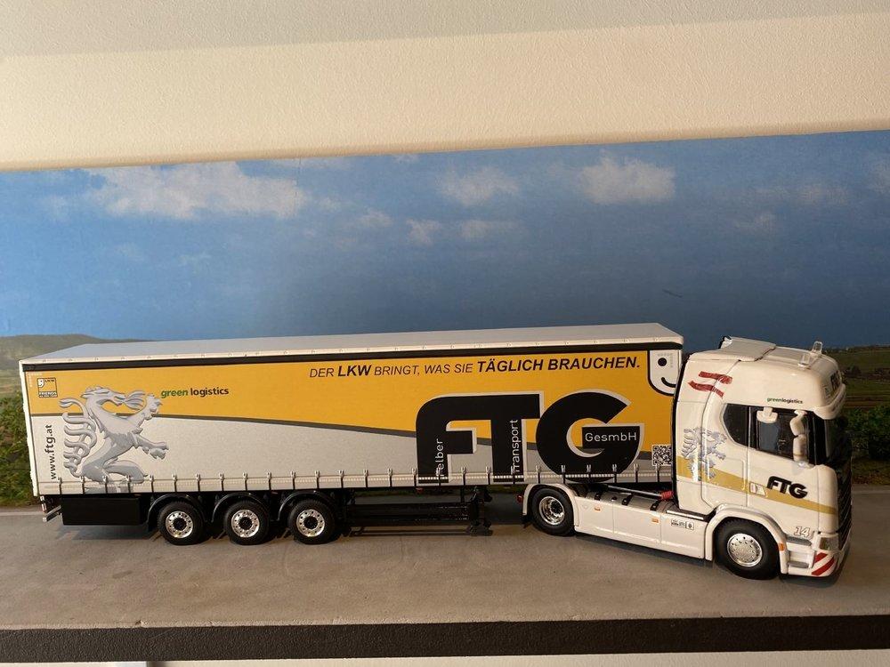 WSI WSI Scania S Highline 4x2 met schuifzeilen oplegger FTG Felber