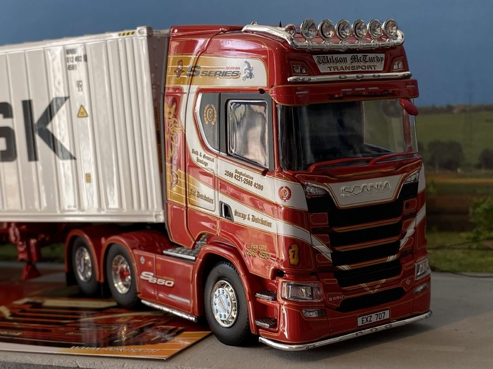 Tekno Tekno Scania S650  Topline met container oplegger Wilson McCurdy