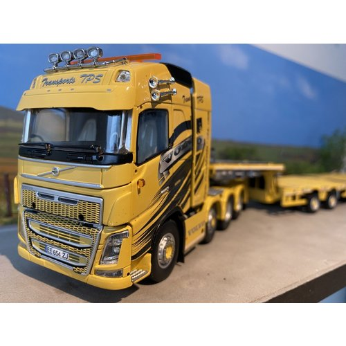 IMC IMC Volvo FH 8x4 with Nooteboom MCO PX 2+6 axle Transports Pierre Sarhy TPS